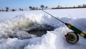 Isfiskeri i put and take fiskesø